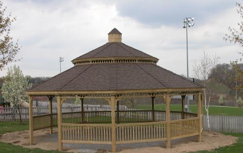 Gazebo 60x30 stained wood with overhang