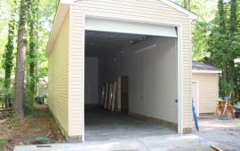 Garage for tall Boats with an apron