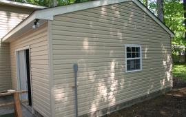 Garage 20x22 with patio door