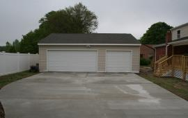 Garage 2 doors with different sizes