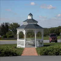Gazebo with disappearing screen in Chesapeake
